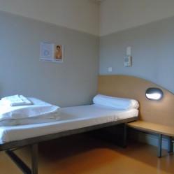 chambre individuelle adaptée au fauteuil roulant