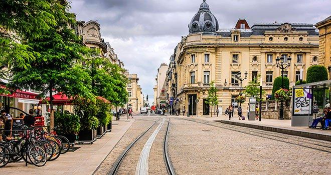 monument-centre-ville-velos-reims